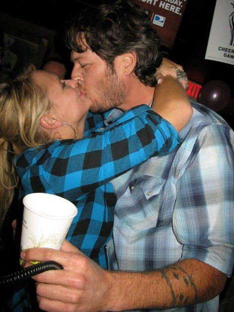 miranda lambert and blake shelton. I adore them both. Beautifullllll!!!