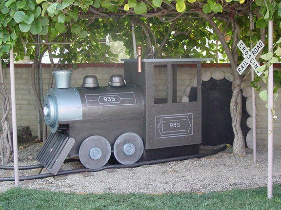 Train Playhouse - HGTV's Outer Spaces 2005