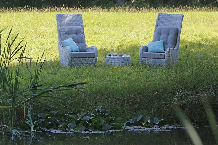 Koninklijk genieten in de King-stoel van Giardo #loungestoel #tuininspiratie