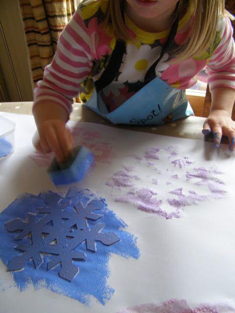 Создать своими руками: Домашнее Рождество оберточной бумаги: Снежинка Отрицательный Губка Печать