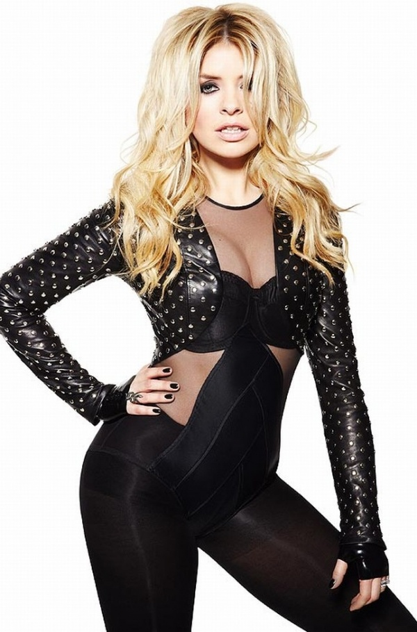 <3<3 Holly Willoughby <3<3