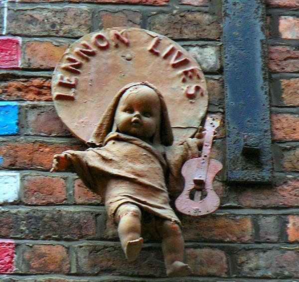 Liverpool Monuments: Beatles, John Lennon  (5)