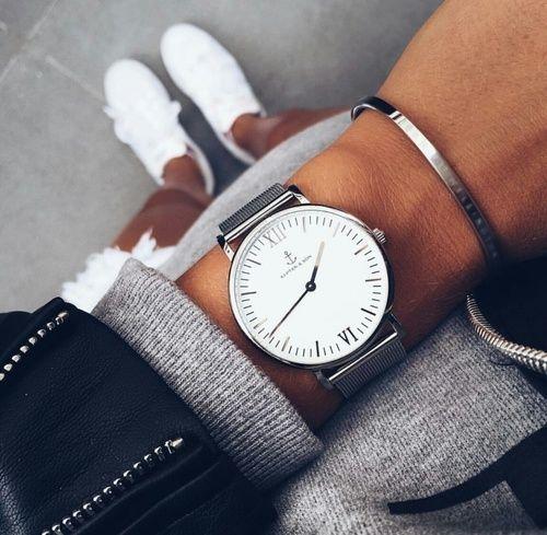 Du liebst schöne Uhren? Dann haben wir die perfekte Seite für dich mit elegant…
