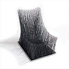 전통 지승 공예에서 힌트를 얻어 탄소 섬유로 실험한 시리즈. (첫 번째)루노 체어(Luno Chair), (두 번째)라미 사이드 테이블(Rami Side Table), (세 번째)라미 벤치(Rami Bench). 디자이너 노일훈은 지난 4월 파리의 대표적 옥션 하우스 타장(Tajan)에서 있었던