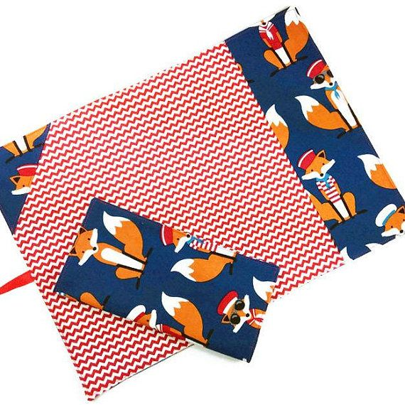 Trendy foxes and chevron reusable child lunch set, includes roll up placemat with ustensil pocket and cloth napkin – Ensemble pour lunch comprenant napperon à rouler avec rangement ustensiles et serviette de table réutilisable - #mylittlepoppyseed #etsyseller #etsycanada #handmade #ecofriendly #christmasgift #stockingstuffer #giftsforboys #tools https://www.etsy.com/shop/mylittlepoppyseed https://www.facebook.com/MyLittlePoppySeedCreations