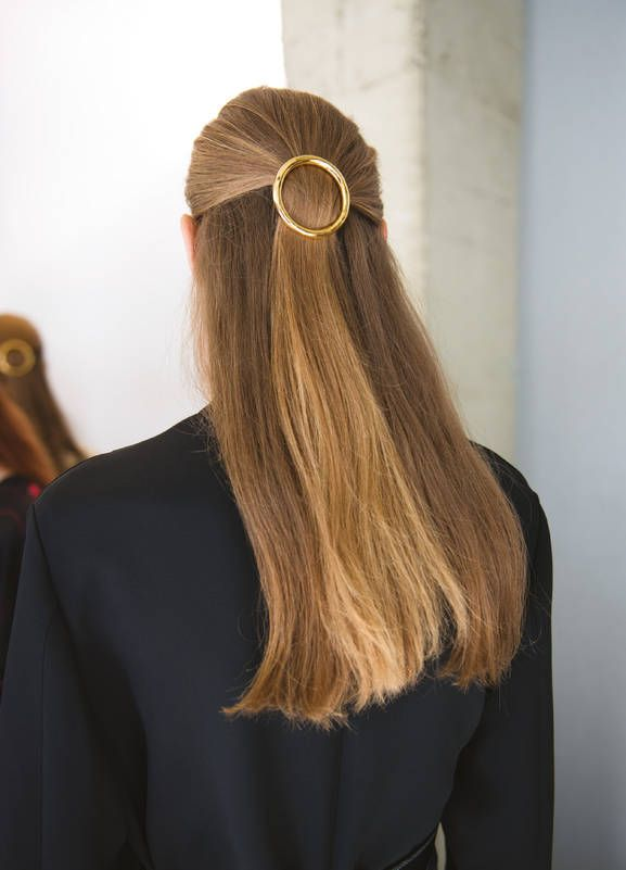 love this! large gold circle, hair barrette at the Celine spring 2015 show  #fashion-gone-rouge.tumbler.com