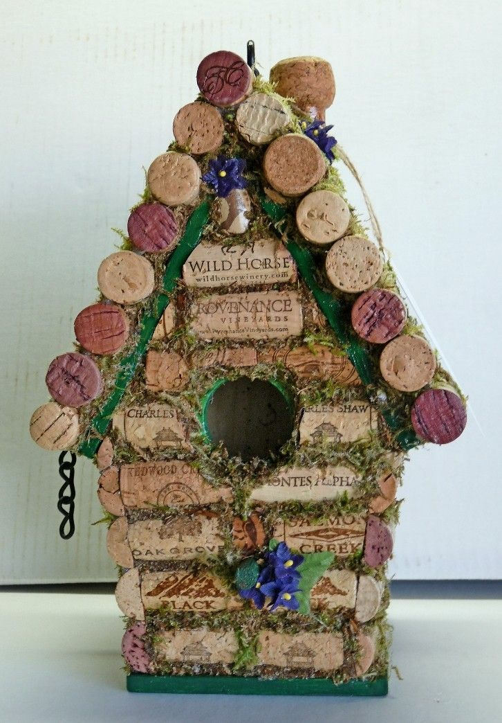 What to do with all those corks? Bird house and more ideas...