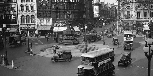 Piccadilly Circus 1933. #oldlondon