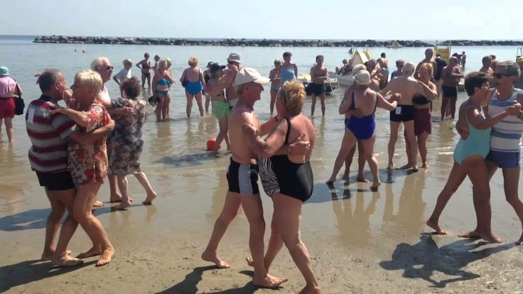Prove di gara di ballo in spiaggia, Bagno Lisa 11 Gatteo Mare...!