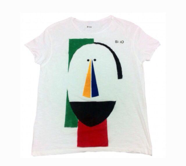 Il disegno di questo prodotto su richiesta è disponibile in altre colorazioni Esclusiva tshirt della serie limitata FACE di Si iO, dipinta mano, numerata e unica! Disponibile in tutte le Tg su www.siioabbigliamento.com #siio #siiioabbigliamento #tshirt #face #shop #online #siiotshirt #spring