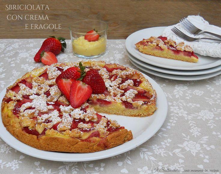 La sbriciolata con crema pasticcera e fragole è un dolce delizioso, delicato e fresco; perfetto come fine pasto o merenda é semplicissima da realizzare