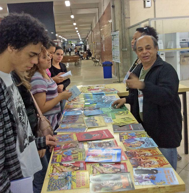 Exposição de livros de cordeis no instituto federal em São Paulo