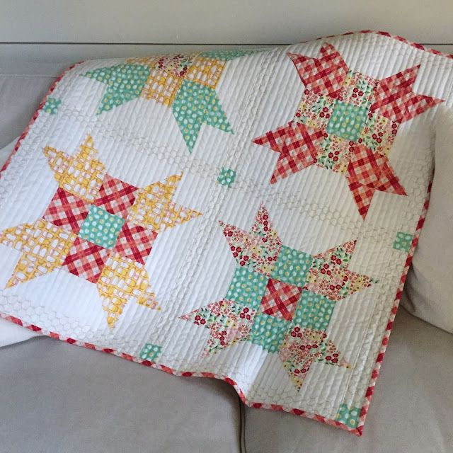 25+ best ideas about Fat quarter quilt patterns on Pinterest Quilt patterns, Patchwork ...