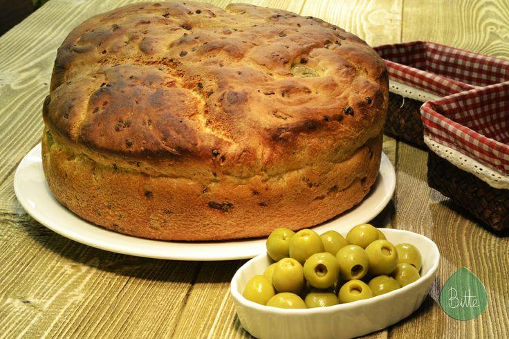 Pan de olivas y cebolla