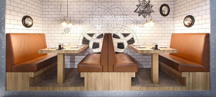 Griffins' Steakhouse | Stylt Trampoli AB
