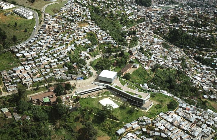 Galeria - Escola Antonio Derka / Obranegra Arquitectos - 111