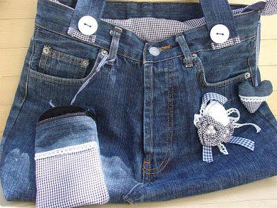 CREATIVA-OFFICINA: borsa di jeans (di recupero) in bianco e blu.