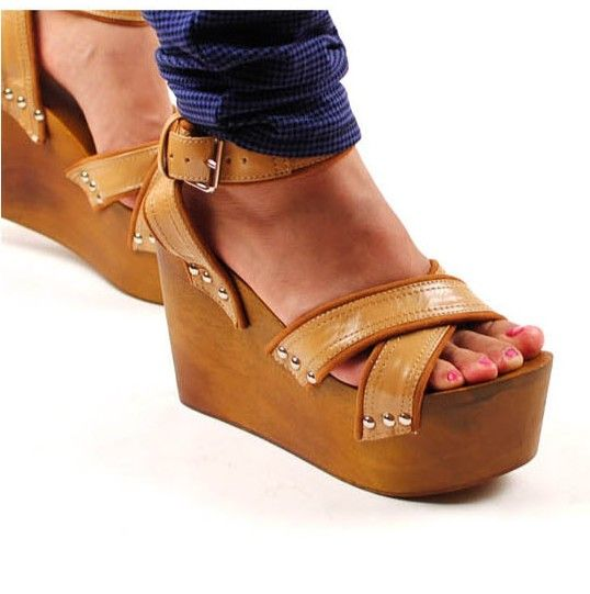 Fashion Wood Sole Wedged Sandals Camel