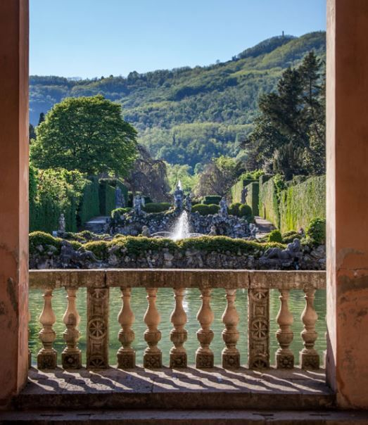 2017 - Giardino Monumentale Barbarigo -  Barbarigo Historic Garden open daily through Dec. 10, 10 a.m.-1 p.m. and 2 p.m.-sunset, Sunday and Italian holidays from 10 to sunset, in Valsanzibio,  Via Diana 2, about 38 miles south of Vicenza;  baroque garden with hundreds of different trees and plants, a maze, statues, fountains, ponds, water games and fish ponds, admission:  €11; reduced €6,50 for children aged 6-14.