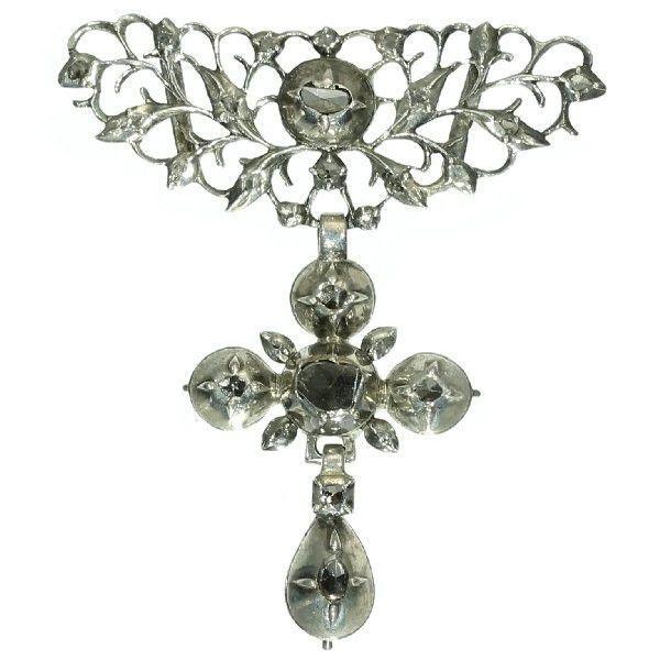 Online veilinghuis Catawiki: Vroeg 19de eeuws kruis hanger met roosslijpsel gezet op folie