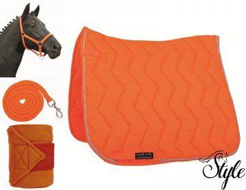 Neon narancs HKM szett hozzáillő polárfásli szettel http://www.lovaswebaruhaz.hu/lovas_felszereles_reszletei/lofelszereles/Nyeregalatetek/Nyeregalatet_szettek/Neon_narancs_HKM_szett_hozzaillo_polarfasli_szettel