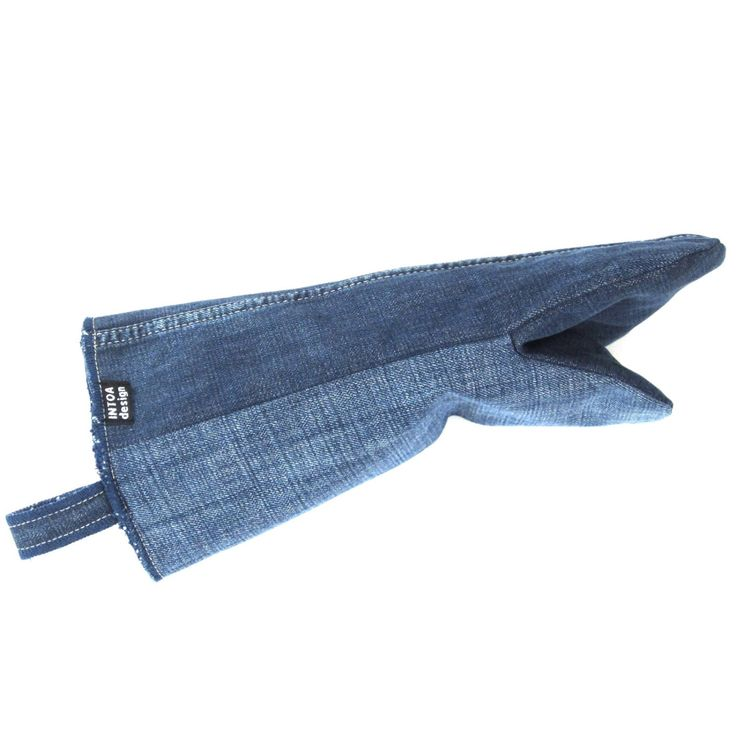 Denim Oven Glove of recycled jeans, blue by INTOAdesign on Etsy https://www.etsy.com/listing/216324488/denim-oven-glove-of-recycled-jeans-blue