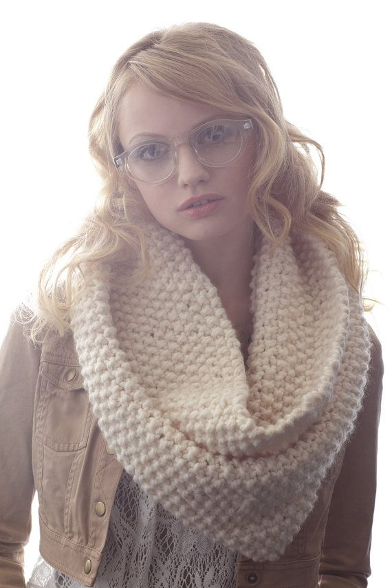 Bubble Cowl in Winter White by ClaireVerity on Etsy, $70.00