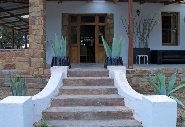 http://www.perfecthideaways.co.za/Details/Karoo-Cottage?Itemid=