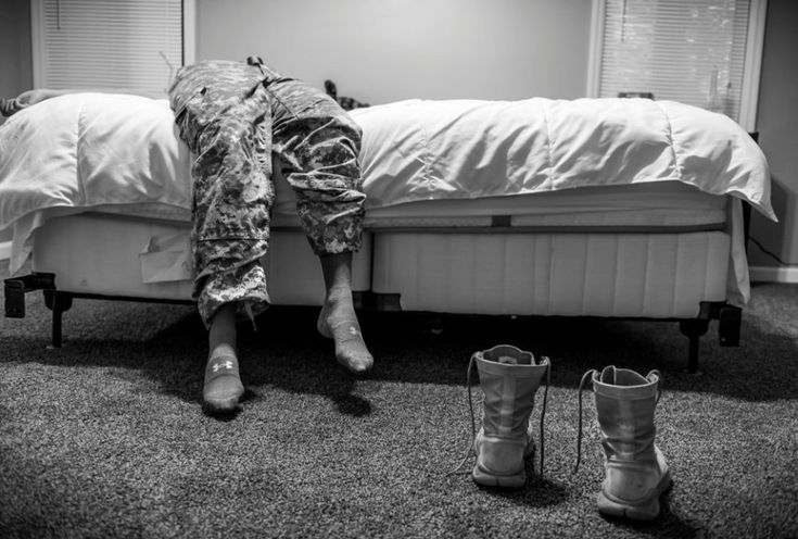 Mary F. Calvert, USA, 2015, Sexual Assault in America's Military    Poruszające zdjęcie z serii dokumentującej kobiety, które zostały zgwałcone lub napastowane podczas służby w amerykańskim wojsku. 1. Nagroda w kategorii Long Term Projects