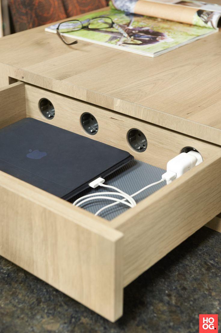 Martin Van Essen Keukens integratie stopcontacten en laptops in tafel