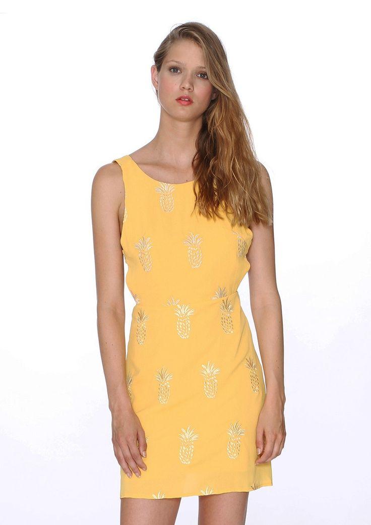 Φόρεμα Pineapples  Model  107731 Φόρεμα από την Pepaloves Μουσταρδί χρώμα με σχέδιο ανανά  Ανοιχτή πλάτη με φιόγκο Φόδρα από μέσα Φαρδιά γραμμή (π.χ Αν φοράτε s προτιμήστε xs) 45,43 €