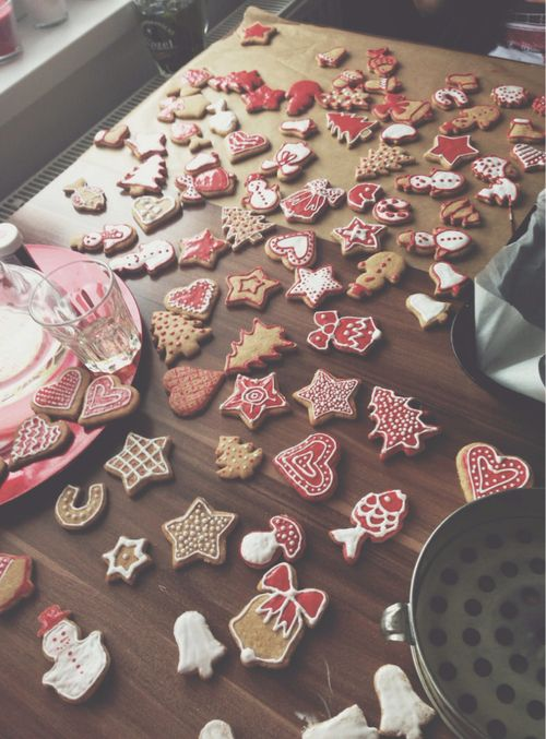 Heart of Christmas — santa-kisses:   itschristmasdarling:   ❄ christmas...