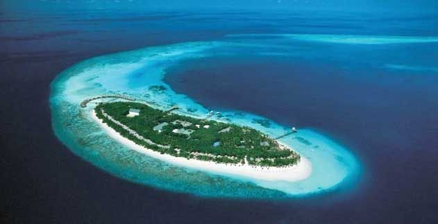 With 30 semi-detached water villas, the Reethi Beach Resort is usually one of the more affordable Maldives private-island resorts for overwater rooms. There are 90 villas on the island as well, so this is a medium-sized resort that actually has an astonishing choice of 10 different restaurants and bars. Reethi Beach Resort offers bed and …