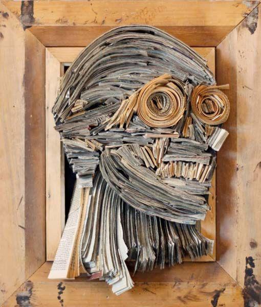 Nick Georgiou - arte com livros e revistas