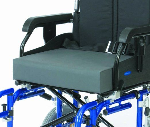 Drive Medical RT-CU014 18-inch Wheelchair Reflex Memory Foam Cushion