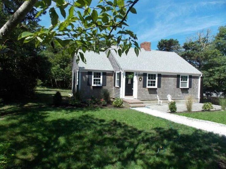 Homes+for+sale+at+20+Leavitt+Lane+Harwich+Port,+MA+02646+-+MLS#+21507664+|+Cape+Cod+Real+Estate+capecodrealestate.com