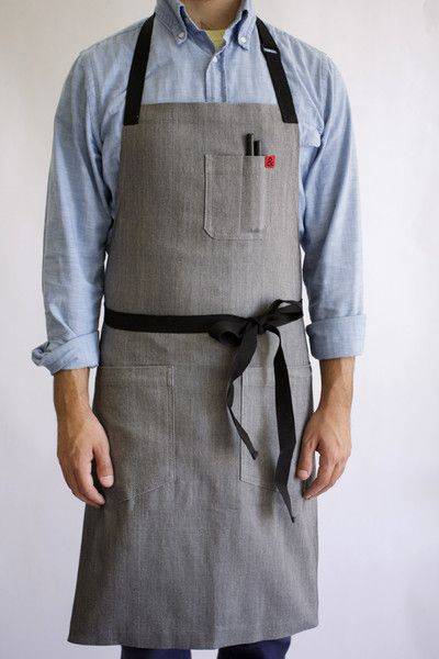 We named this bestselling apron after the delicious Vietnamese soup. The Pho apron is clean, simple, comfortable and durable. Made with Taiwanese stretch denim, the Pho apron defies the preconception