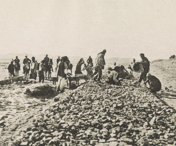 Construction du chemin de fer du Hedjaz. Ballastage des voies ferrées. 1906