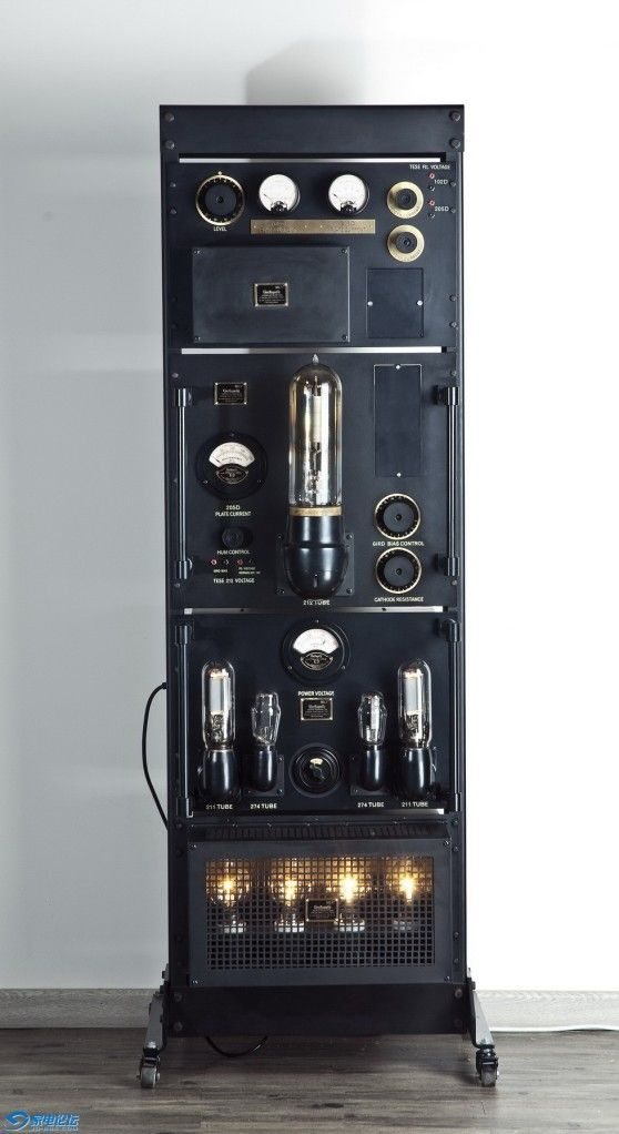 tube amplifier by LINE MAGNETIC