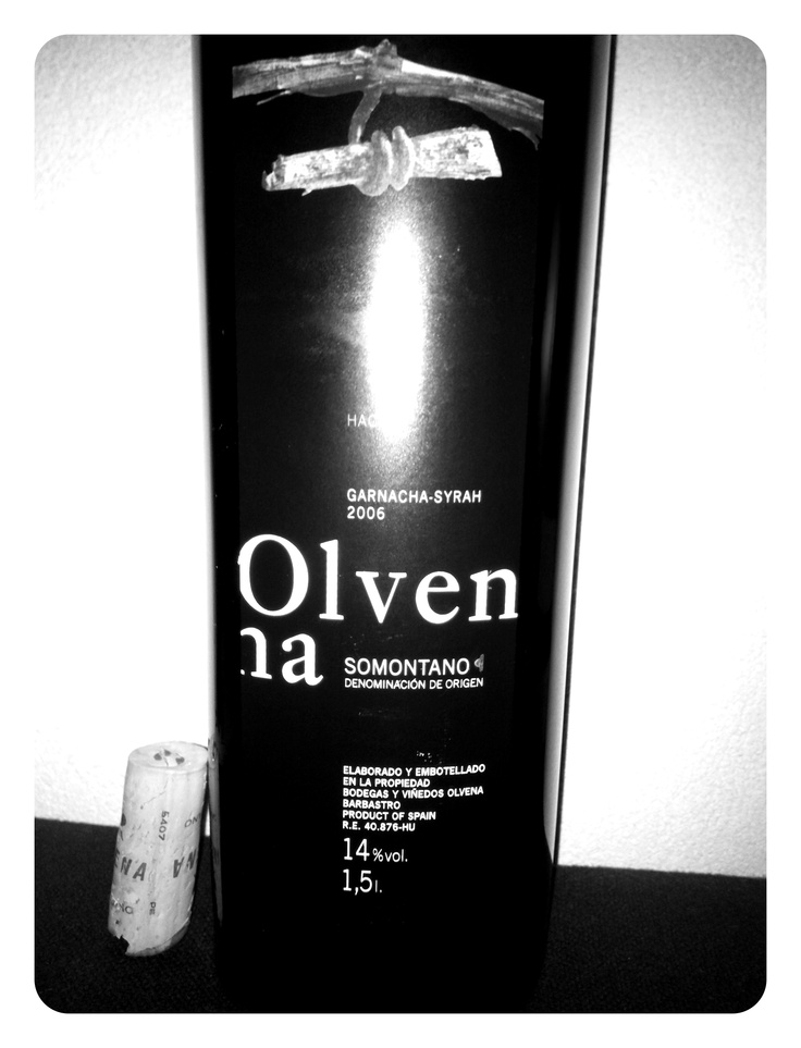 Een heerlijke Olvena Somontano. Spaans. Garnacha-Syrah uit 2006. 1,5 liter... Dank Peter B. 1 december 2012. *****