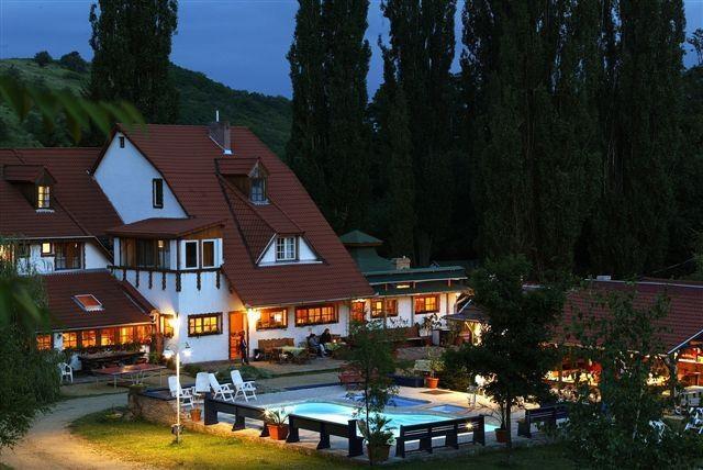 Nomád Hotel & Camping  Noszvaj Hungary