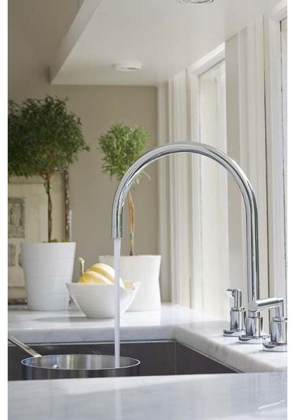 How to Pick a New Kitchen Faucet by houzz #Kitchen_Faucet