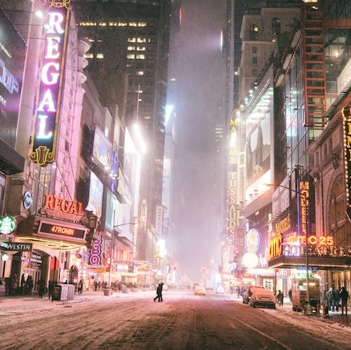 New York City  - Winter Nights: A photo story with many views of Manhattan in the snow.