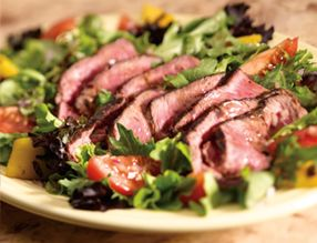 Lean and Green Recipes- Steak Salad 420 Calories (can reduce by using a different dressing)