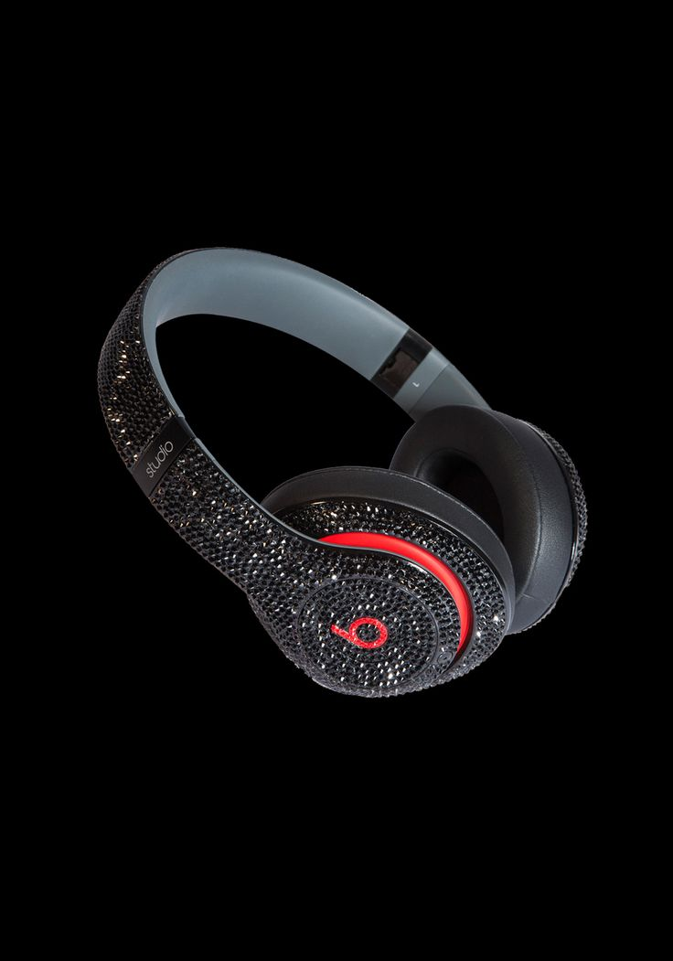Dre Beats Headphones (Swarovski Crystallised) Turn the music up and be loud. Our exclusive collection of Swarovski embellished or real VS1 diamond embellished Dre Beats headphones. Listen to music in style!