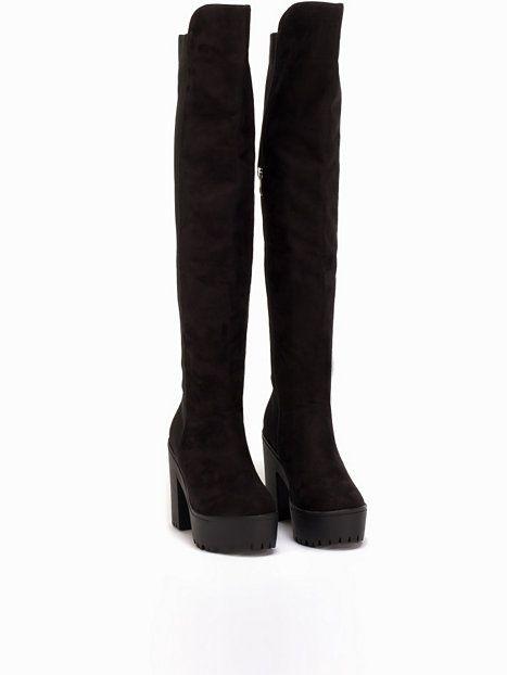 Nelly.com: Chunky Knee High Boot - NLY Shoes - kvinna - Svart. Nyheter varje dag. Över 800 varumärken. Oändlig variation.