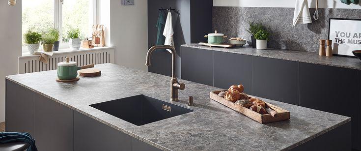 Ihre #Küche braucht ein wenig Veränderung? Erfahren Sie in unserem neuen Blog-Beitrag, wie Sie mit #Arbeitsplatten, #Küchenrückwänden und Co. Schwung in Ihre #Einrichtung bringen.