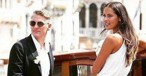 Congrats Ana and Basti!!! @anaivanovic @bschweinsteiger @bastianschweinsteiger Photo/Foto: Unknown/Desconocido #anaivanovic #ana #ivanovic #bastianschweinsteiger #bastian #schweinstiger #batiana #boda #wedding #congrats #tennis #tenis #tennisplayers #football #serbia #deutschand #germany #venice #adidas #yonex #manchesterunited #united #love