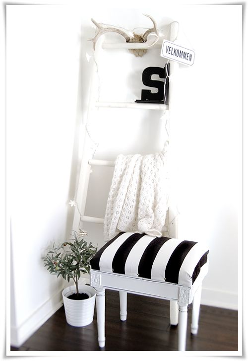 I love everything about this! The black and white striped stool, the ladder shelves and the letter S. Such a great look! #stylizimo