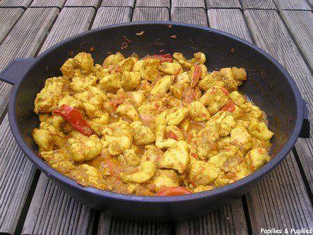 Poulet au curry Poulet, curry, tomates, jambon, pomme, crème fraîche, jus d'orange ..... Miam